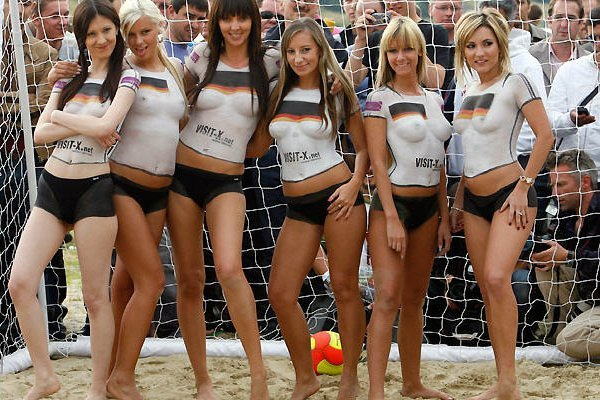 Naked teen topless vollyball pics